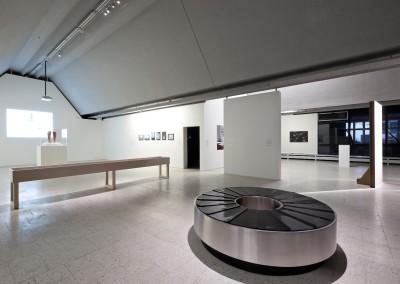 © Bartosz Stawiarski, Museum of Modern Art, Emily Jacir, embrance, 2005